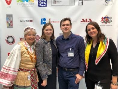 Kino festivalyje iš kairės savanorė Irena Valys, NY konsulė Gitana Skripkaitė, fotografas Mindaugas Kavaliauskas ir renginio organizatorė Živilė Symeonidis