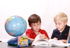 Artėjant pirmiesiems mokinių testams: lyginimas su kitais gero rezultato neduos