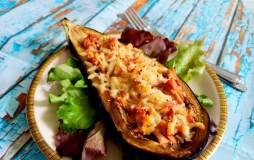 Ryžiais ir tunu įdaryti baklažanai