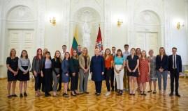 """Prezidentė: """"Pasaulio lietuvių jaunimas – laukiamas Lietuvoje"""""""