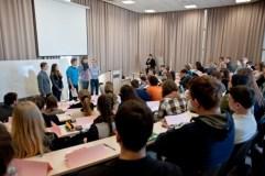 Susidomėjimas aukštuoju mokslu Lietuvoje neslūgsta: kurios studijų kryptys populiariausios?
