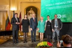 Įteiktos mokslo premijos užsienio lietuviams