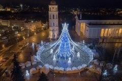 Paaiškino, kodėl sostinės Kalėdų eglė virto šachmatų figūra