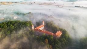 Vaizdo klipe – įspūdingi Lietuvos dvarai ir kraštovaizdžiai