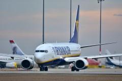 """Per metus nesulaukėte pinigų už atšauktus """"Ryanair"""" skrydžius? Vartotojų gynėjai ragina nenuleisti rankų"""