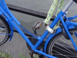 Bar, bike and lock
