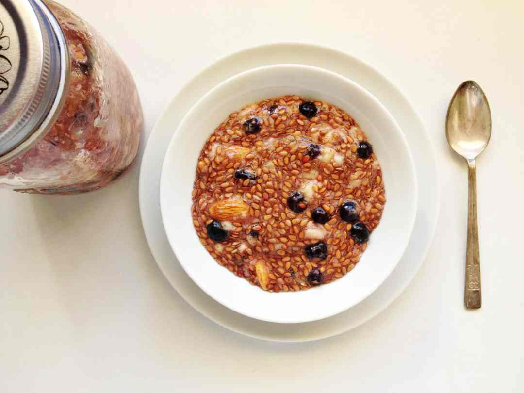 Blueberry & Almond Flax Seed Pudding (healthy, grain-free, dairy-free, sugar-free)