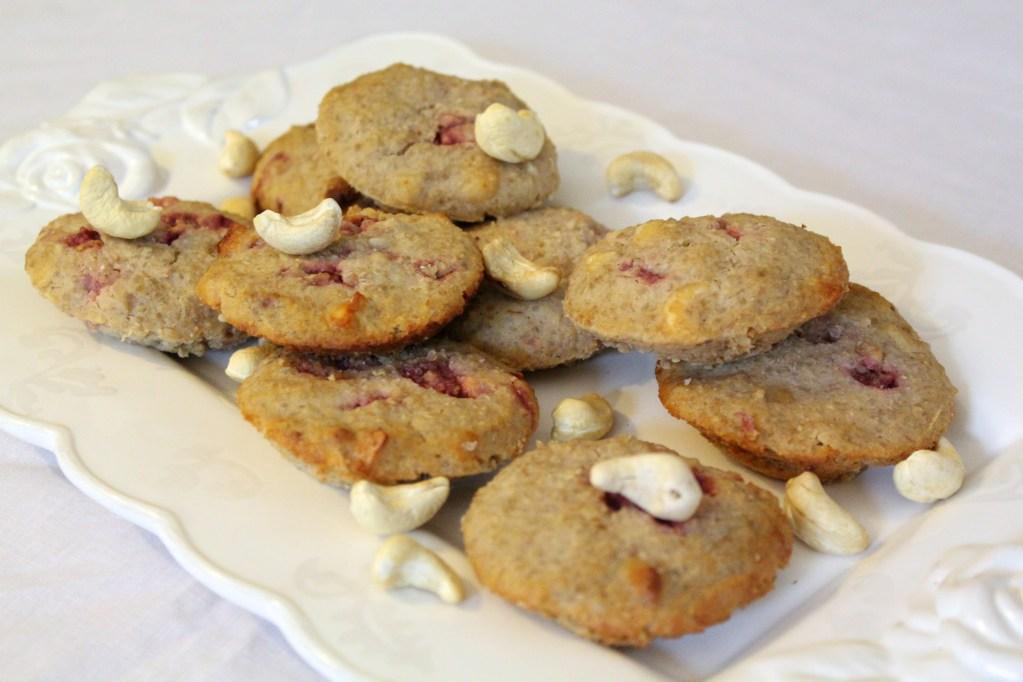 Quinoa, Cashew & Strawberry Muffins (gluten-free, sugar-free, dairy-free)