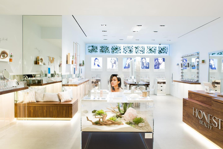 Inside Jessica Alba's Honest Beauty Pop-Up Shop At The Grove