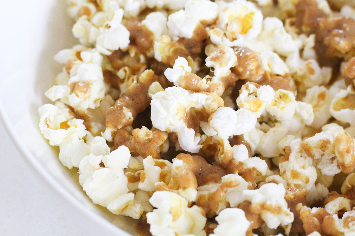 Healthy Popcorn with Peanut Butter Drizzle (dairy-free, sugar-free)