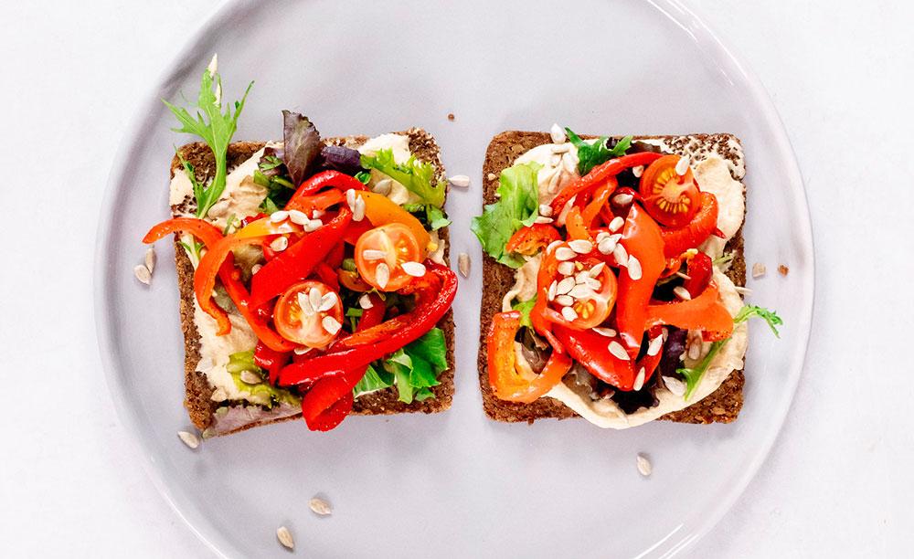 Easy Hummus & Roast Vegetable Salad Sandwich (meal prep, gluten-free, vegan)
