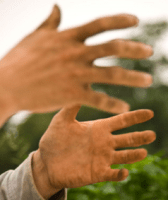 手指関節痛の悪夢の様な痛みは?思わぬ病気が原因?コラーゲンで改善?