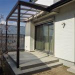 タイルデッキとテラスで、リビングとお庭をつなぐ癒しの空間を演出