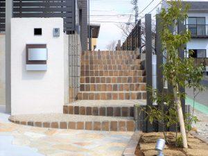 階段のアプローチ
