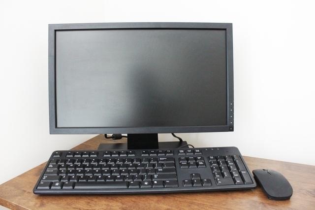 机の上にゲーミングPC置いてるんだけど邪魔だから床に置こうかと思うんだが床置きはダメってマジなの?