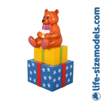 Present with Bear 3D Realistic Christmas Model
