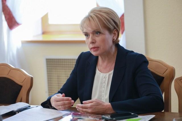 Про готовність до початку навчального року, перевірки з райвідділів освіти та різницю обов'язків між МОН та місцевою владою - c677464 grynevyc3
