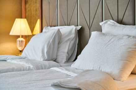 white bed sheet set