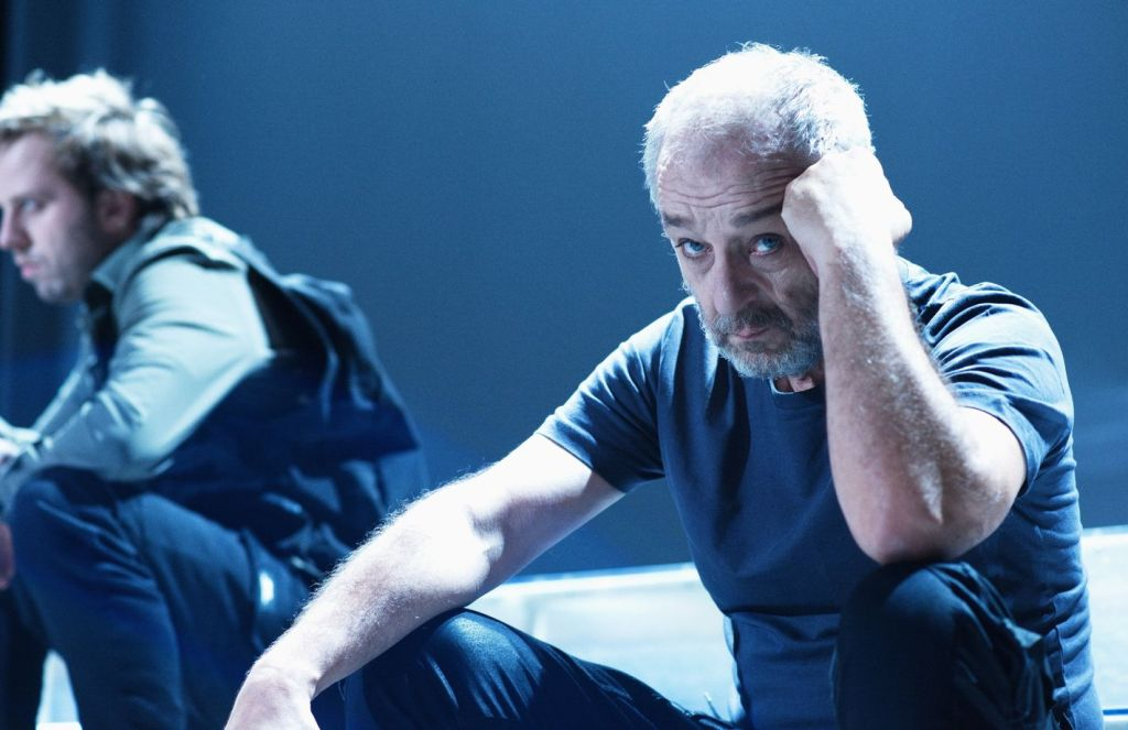 2 Lubos Vesely jako Cyrano v nove adapraci Cyrana z Bergeracu ve Svandove divadle v pozadi Matej Andel foto Alena Hrbkova