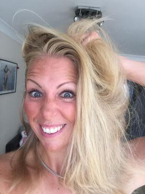 messy hair Samantha Jane Walsh
