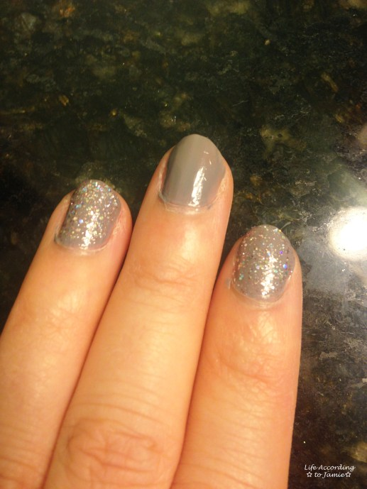 Sparkling Grey-Purple Nails 4