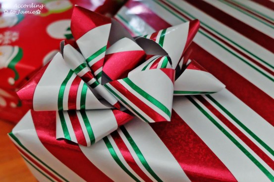 Gift Wrapping Bow 7