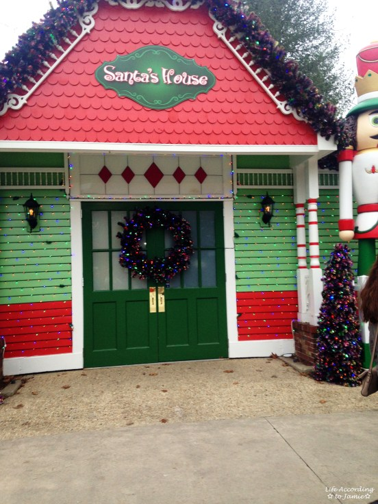 Six Flags - Santa's House