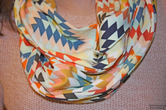 Geometric Diamond Infinity Scarf 1