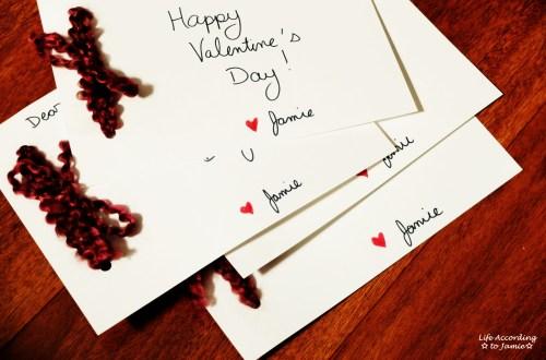 DIY Yarn Bow Valentine's Day Card