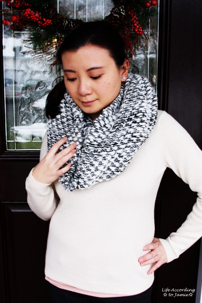 Grey & White Knit Circle Scarf 2