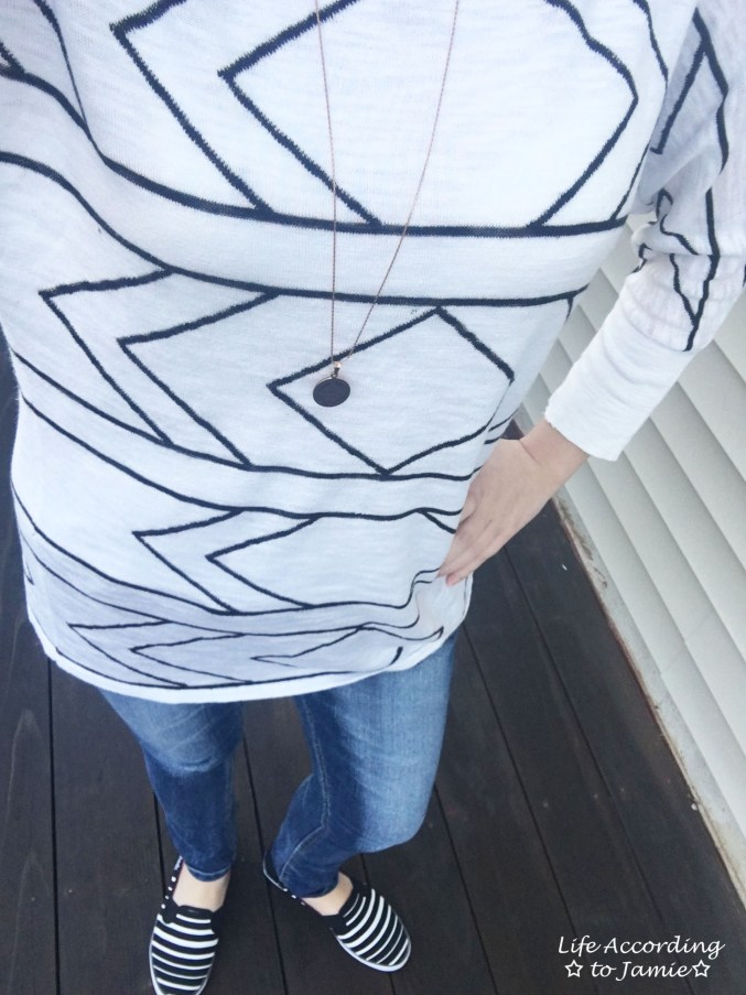 White & Black Geometric Tunic