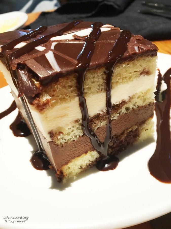 McKinley Princess Lodge - Tuxedo Cake