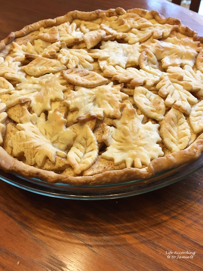 apple-pie-leaf-cutout-crust