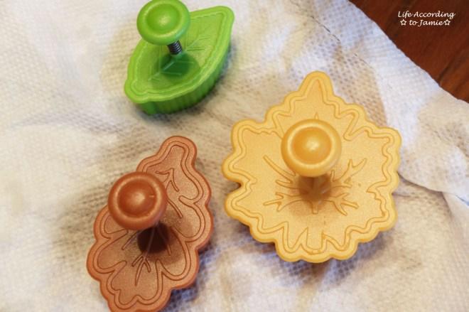 leaf-pie-cutters