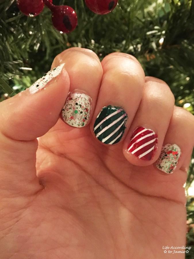 christmas-nails-stripes-confetti-2