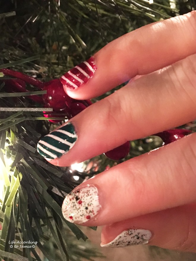 christmas-nails-stripes-confetti-4