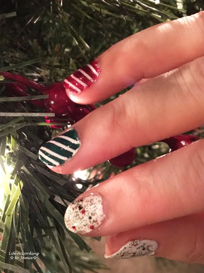 christmas-nails-stripes-confetti-4