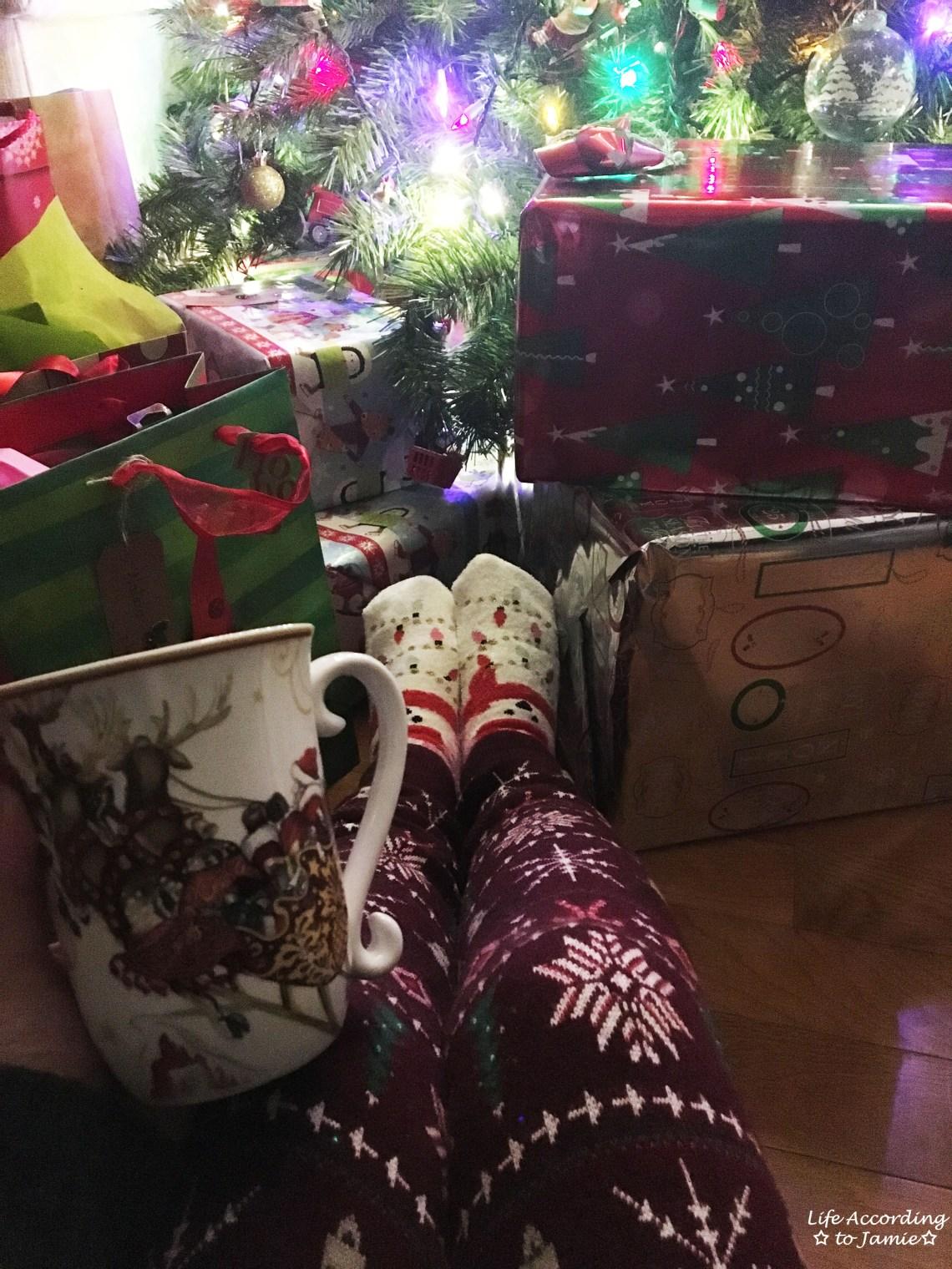 christmas-tree-presents