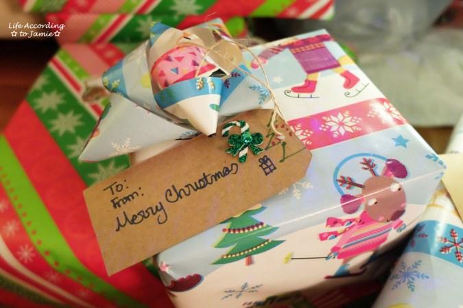 diy-christmas-gift-tag-bow