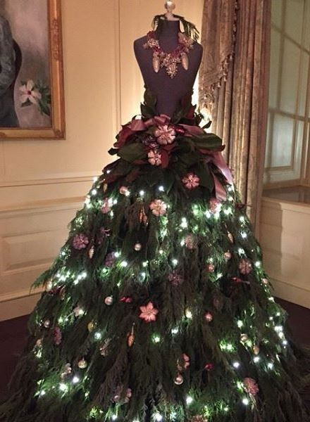 pink-flowers-mannequin-christmas-tree-dress