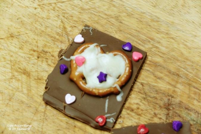chocolate-pretzel-heart-bark-6