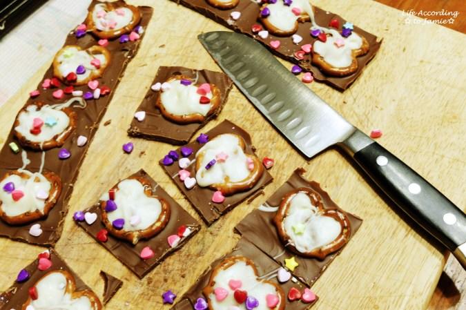 chocolate-pretzel-heart-bark-7