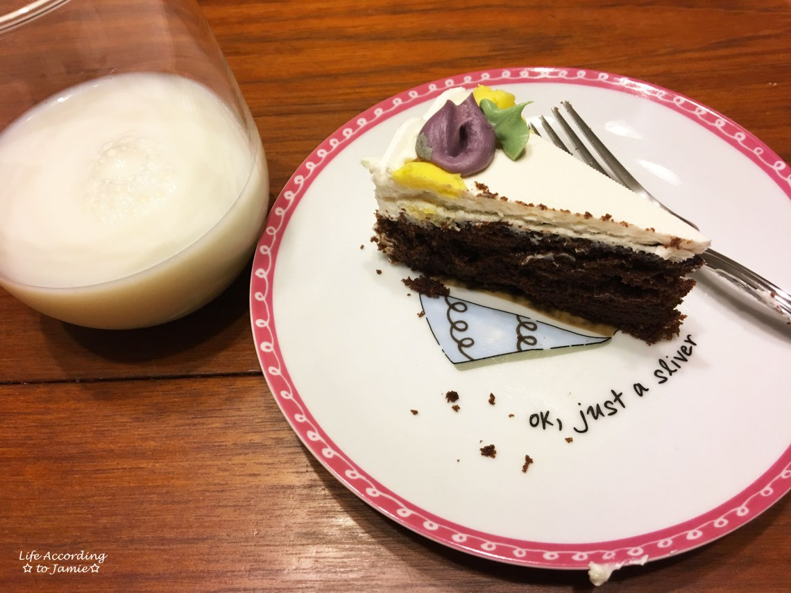 chocolate-cake-milk