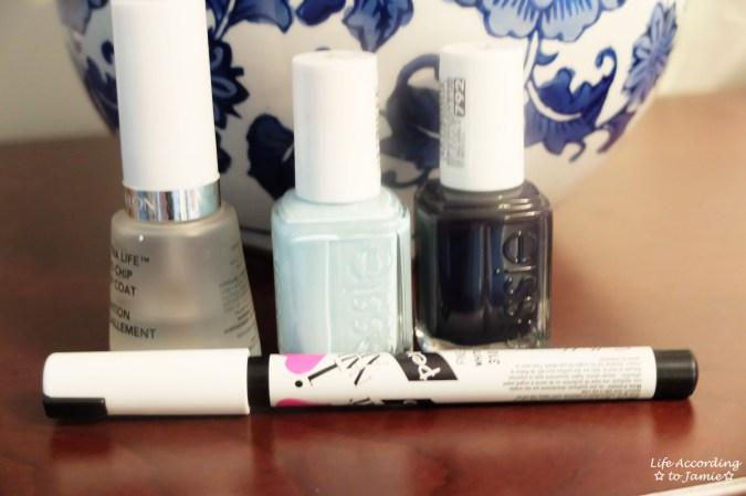 Blue & White Anchor Nails - Polish