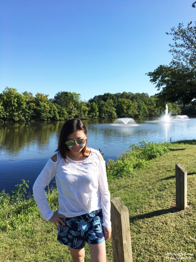 White Cold Shoulder Top + Palm Print Shorts 6