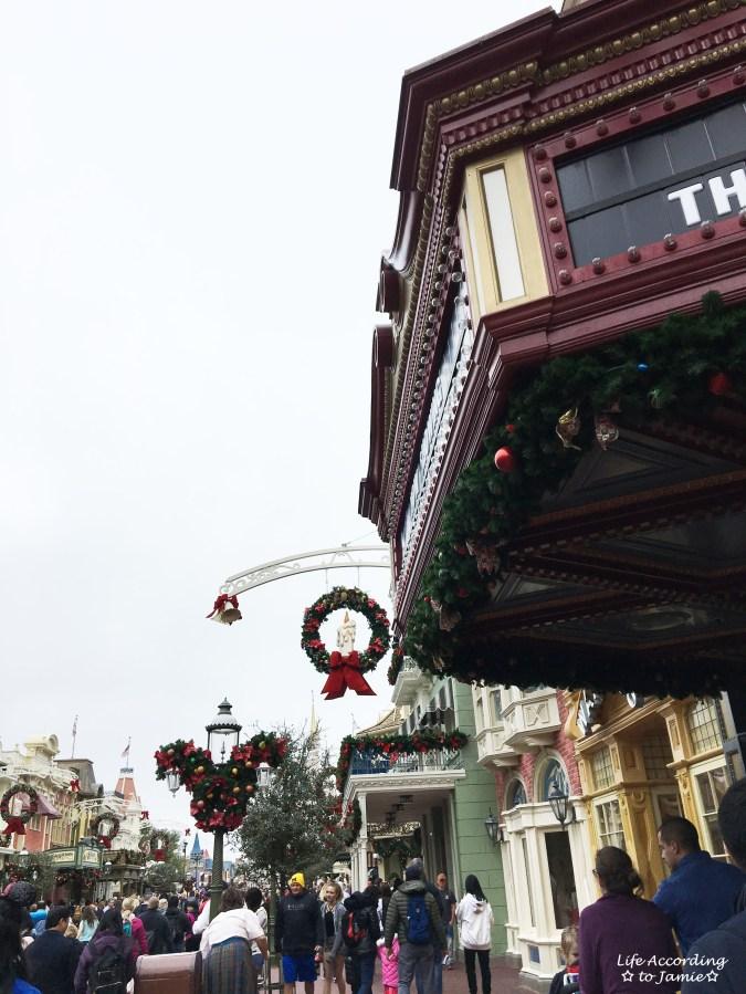 Magic Kingdom - Main Street Christmas 5