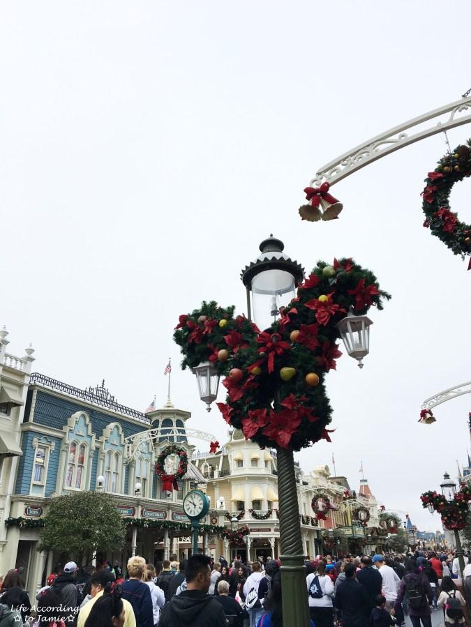 Magic Kingdom - Main Street Christmas 6
