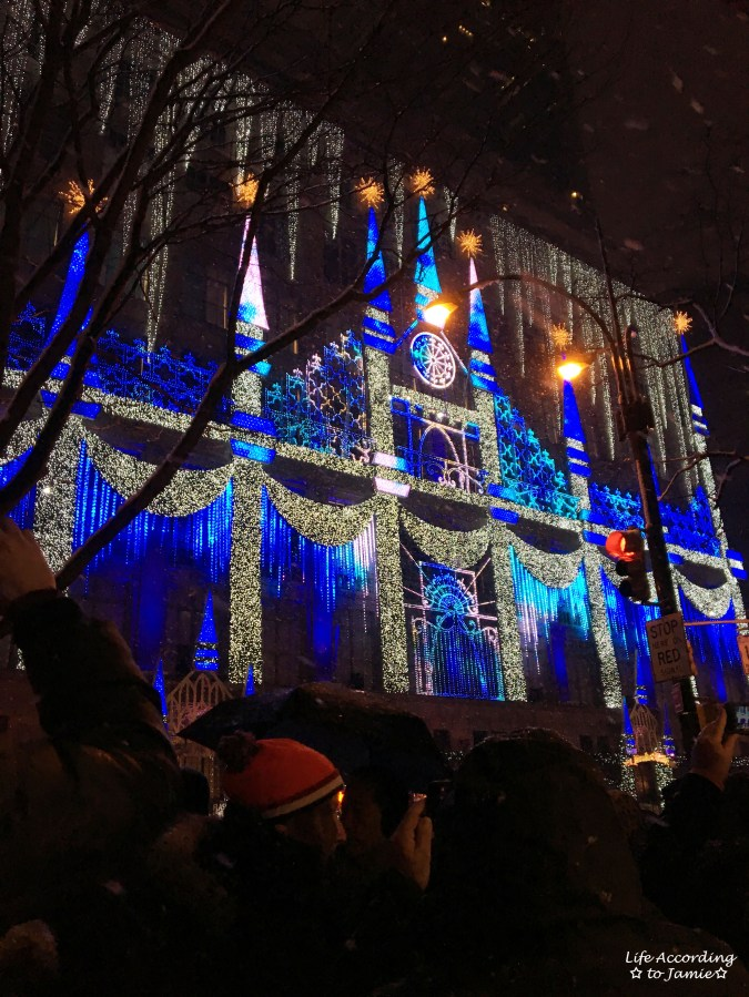 Saks Fifth Avenue - Christmas Light Show