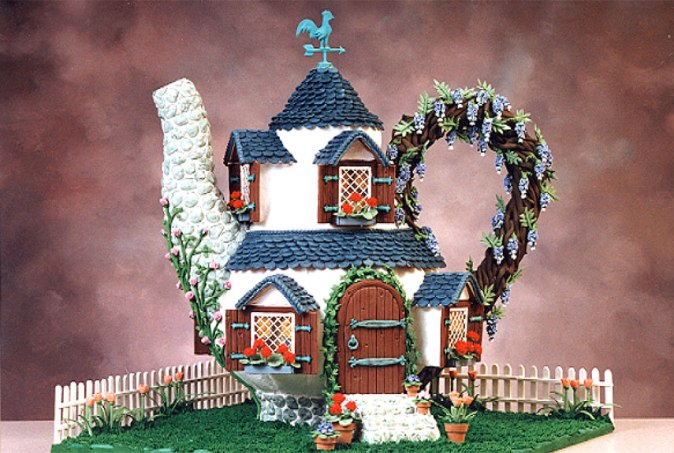 Teapot - Gingerbread House