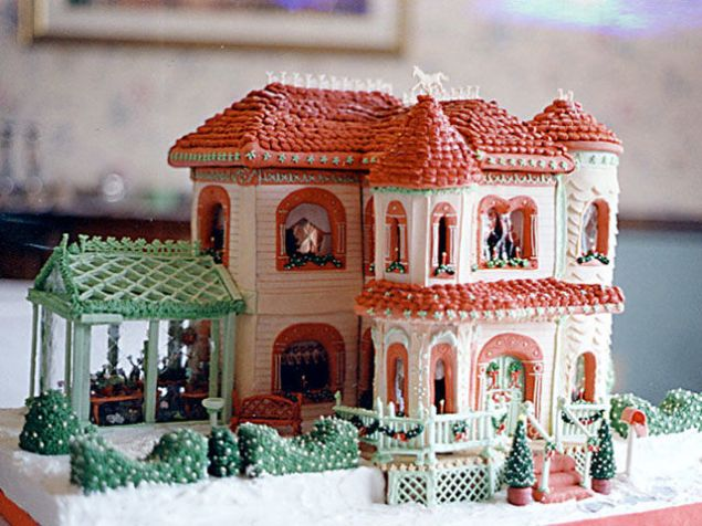Victorian Mansion - Gingerbread House